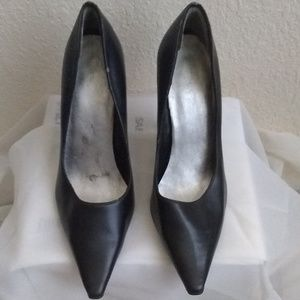 "Shoes - Sz 7 Pointy toe 2"" Heel"